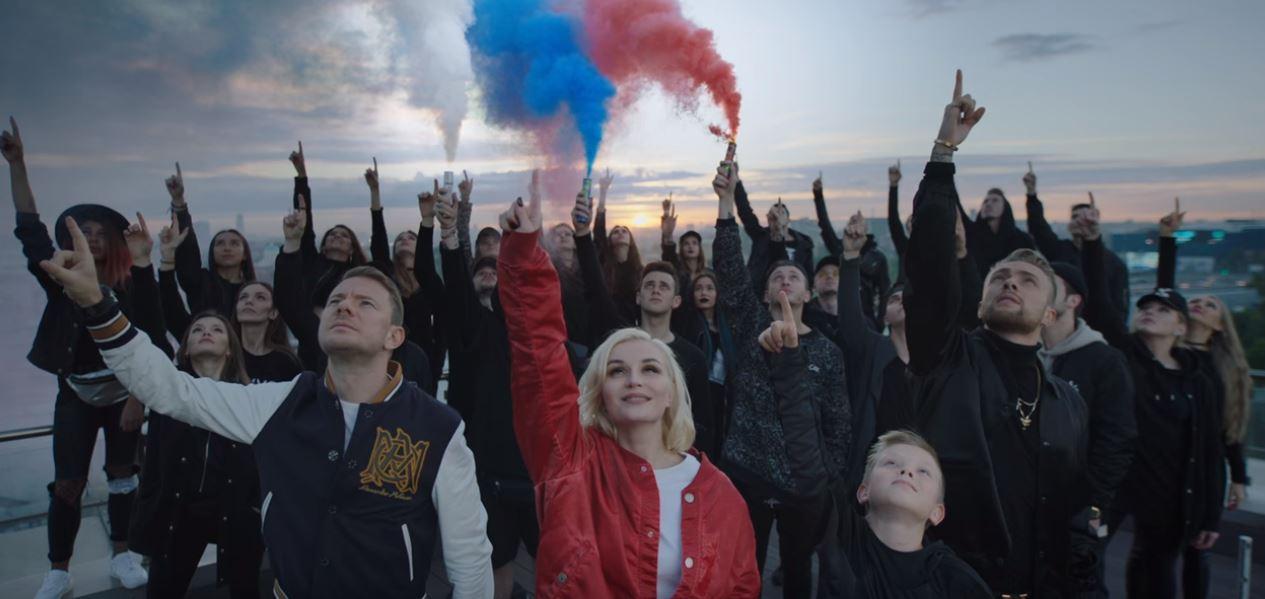 Polina Gagarinaのコマンダ2018(Команда 2018)ってめちゃめちゃいい曲だよね。ロシアワールドカップ2018年の公式?ソング